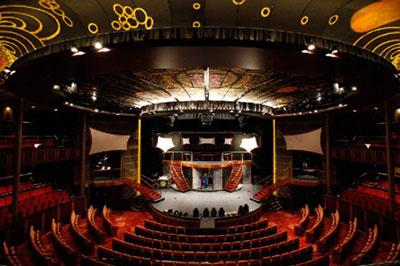 Imagen del Teatro del barco Celebrity Silhouette