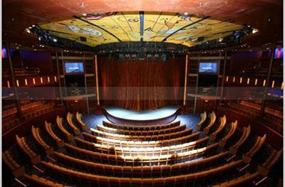 Imagen del Teatro del barco Celebrity Solstice