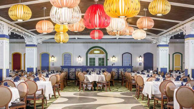 Imagen de un Restaurante del barco Disney Magic