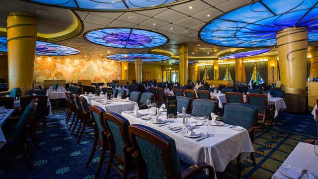 Imagen de un Restaurante del barco Disney Wonder