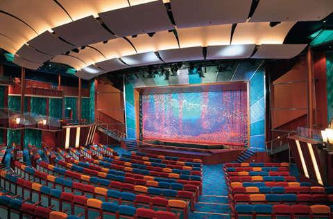Imagen del Teatro Coral del barco Jewel of the Seas