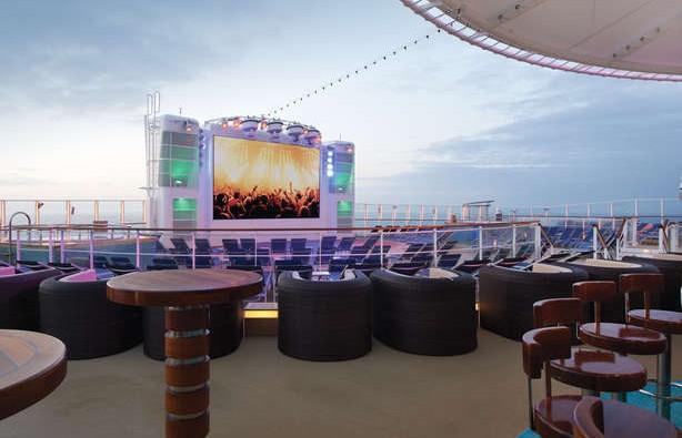 Imagen del Bar Spice H2O del barco Norwegian Breakaway de Norwegian Cruise Line