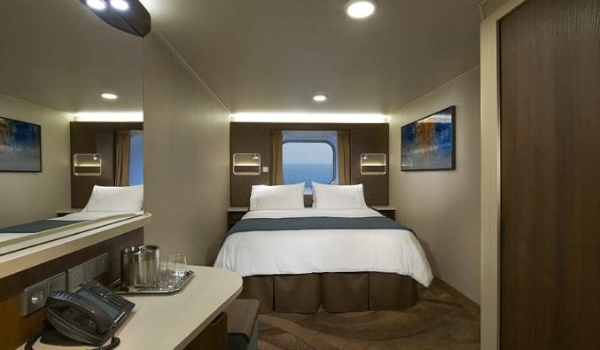 Imagen de un Camarote con vistas al mar del barco Norwegian Escape