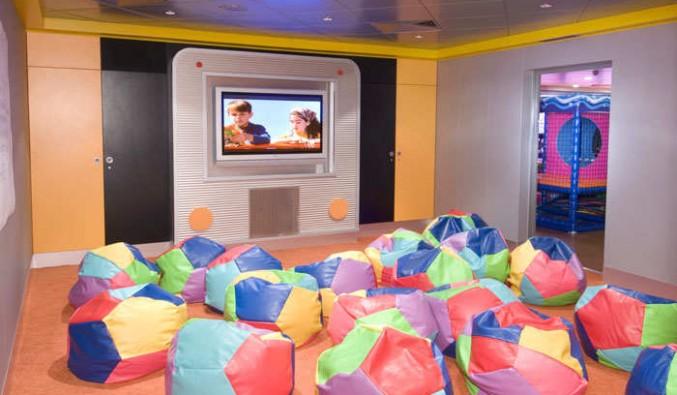 Imagen del Cine Club infantil del barco Norwegian Jewel
