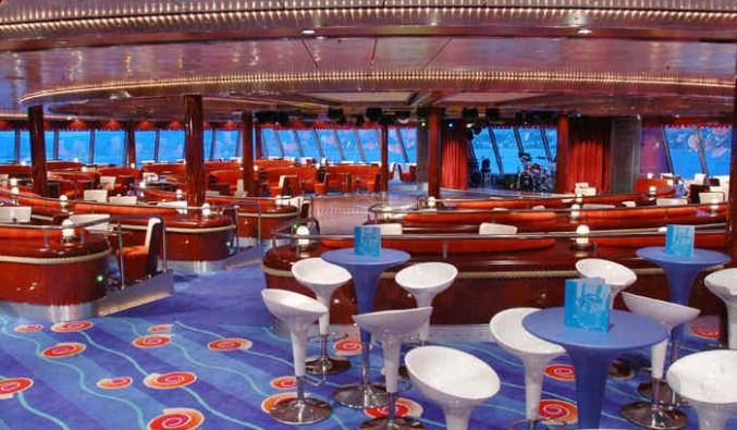 Imagen del Salón Pinnake del barco Norwegian Jewel