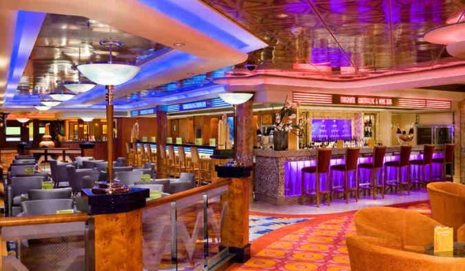 Imagen del Bar Central del barco Norwegian Pearl
