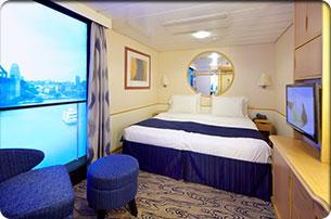 Imagen de un Camarote interior con vista virtual del barco Voyager of the Seas