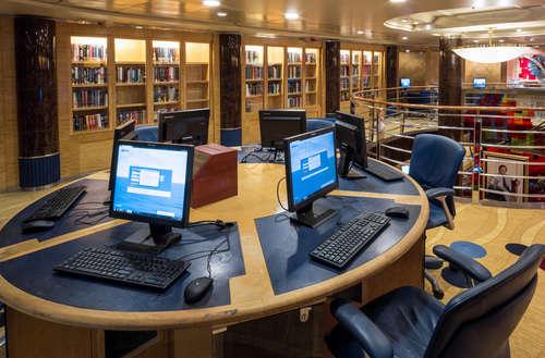 Imagen del Internet Café del barco Voyager of the Seas