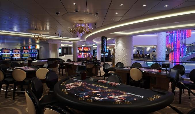 Imagen de un casino a bordo de un crucero de Norwegian Cruise Line