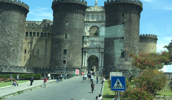 castillo-napoles