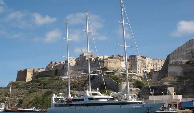 Barco de la naviera Ponant