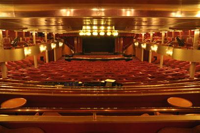 Imagen del Salón de espectáculos Broadway del Barco Monarch de Pullmantur