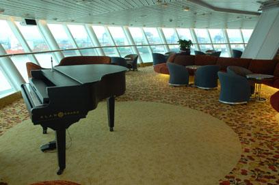 Imagen del Bar 360º del barco Sovereign de Pullmantur