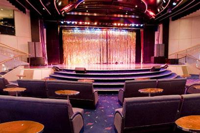 Imagen del Salón de espectáculos Broadway del Barco Zenith de Pullmantur