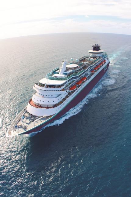 Pullmantur en fitur 2015 red social de cruceros for Oficinas pullmantur