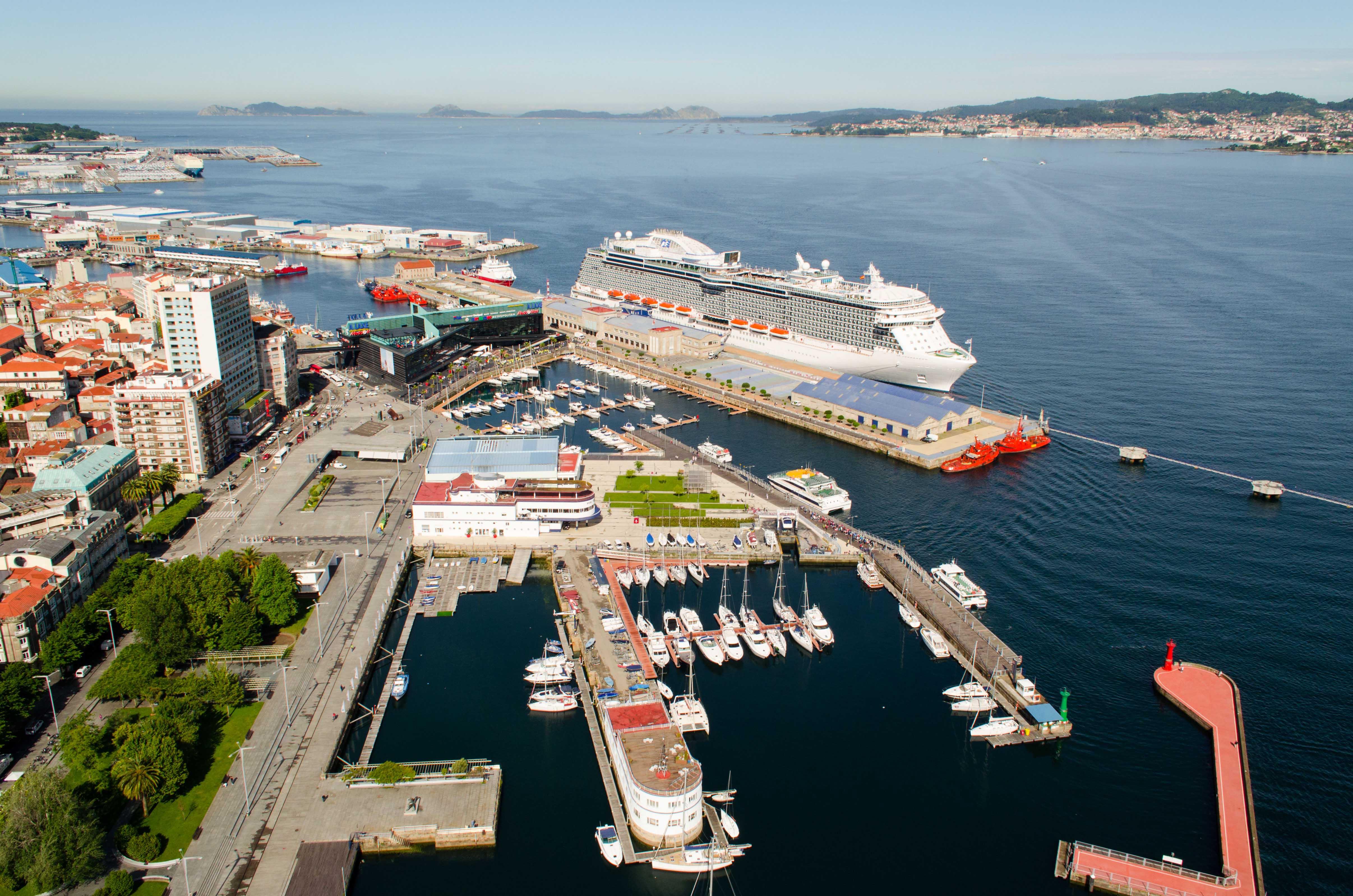 El puerto de vigo en la cruise shipping miami red social - Puerto de vigo cruceros ...