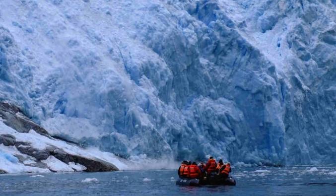 Imagen del Glaciar Nena del barco Stella Australis