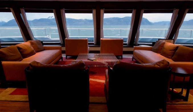 Imagen del Salón Yamana del barco Stella Australis