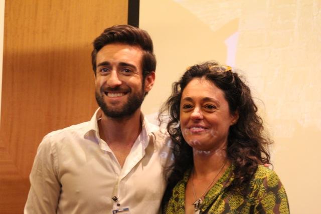 Sergio Couto y Arrate Enes durante la visita al Allure of the Seas y la presentación de Nudoss.com a los bloggers de bcnTB
