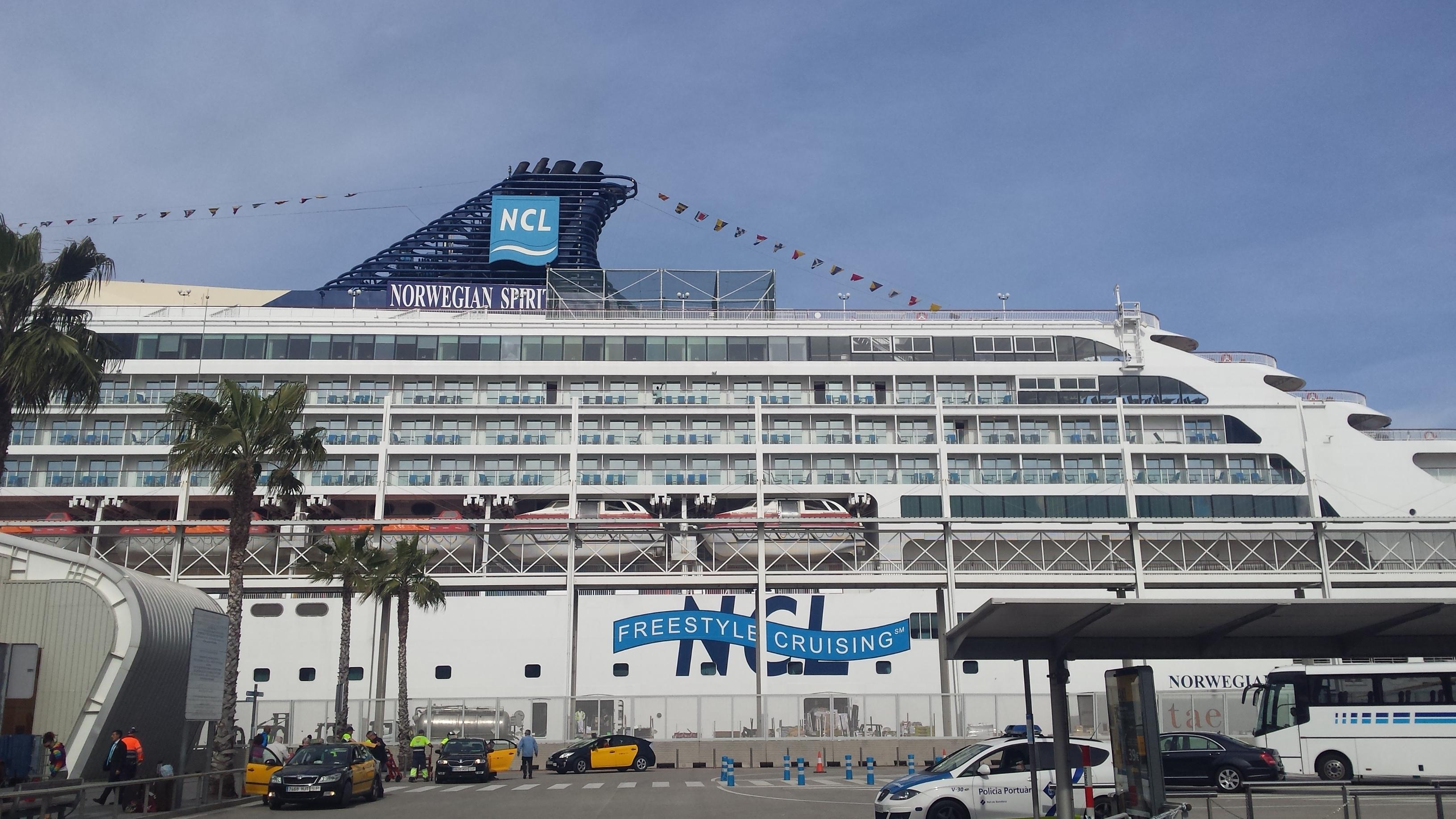 挪威精神号在巴塞罗那港口