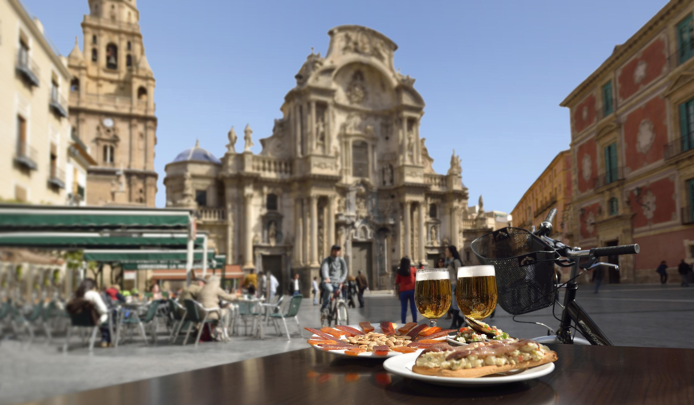 Vista de la Plaza de Belluga, en la capital murciana.