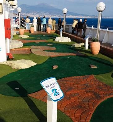 Imagen del Mini golf del MSC Musica