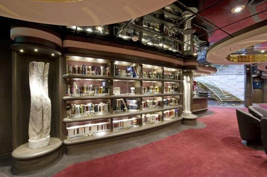 Imagen de la Biblioteca a bordo del barco MSC Divina