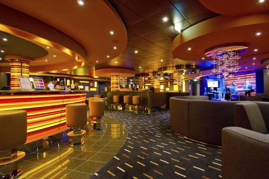 Imagen del Bar Golden Jazz del barco MSC Divina