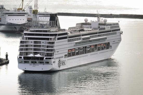 Imagen del barco Msc Armonia navegando