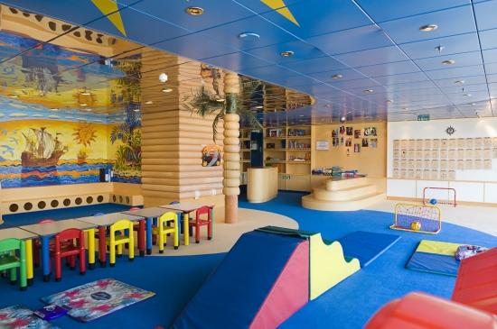 Imagen de un zona infantil del MSC Lirica