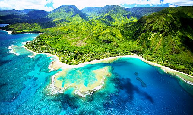 视图:可爱岛的迷人的风景.     照片来自:皇家加勒比邮轮
