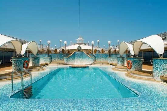 Imagen de la piscina del MSC Musica