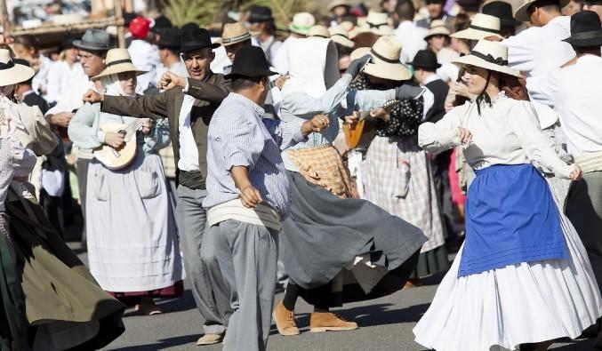 crucero-puerto-gran-tarajal-folclore