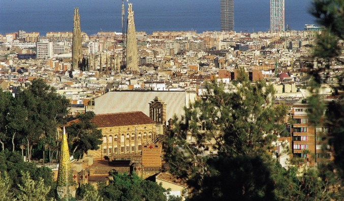 Port de Barcelona, vista del tibidabo