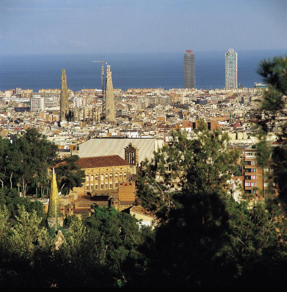 Puerto de Cruceros de Barcelona Vista desde Tibidabo