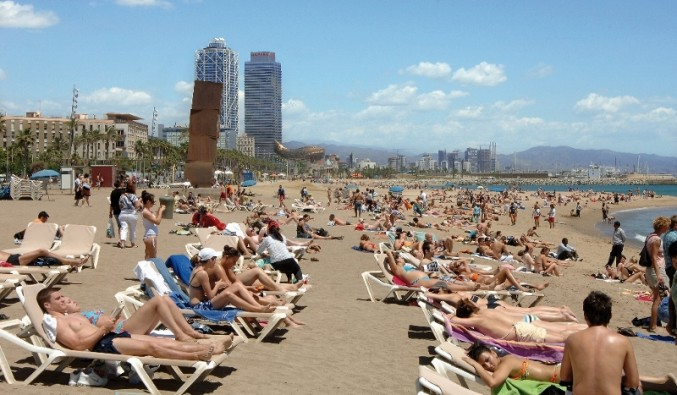 Port de Barcelona. Vista de la playa de la barceloneta