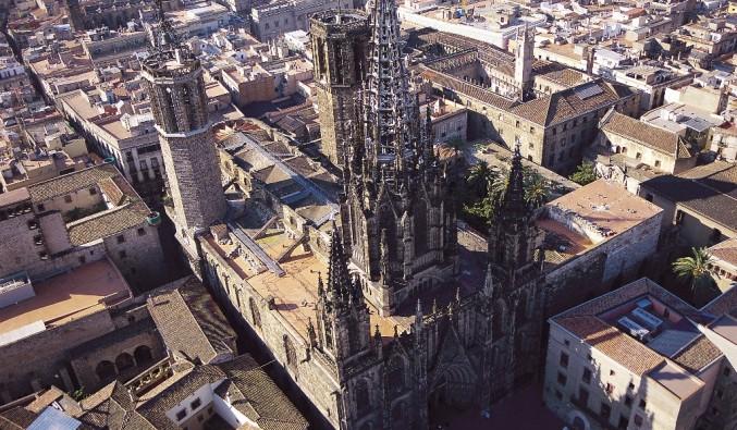 Port de Barcelona. Vista de la basilica de santa maria del mar