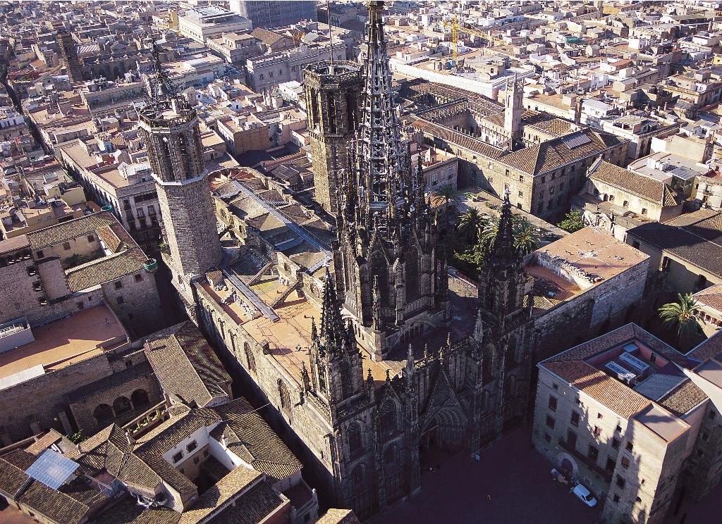 Puerto de Cruceros de Barcelona Basílica de Santa María del Mar