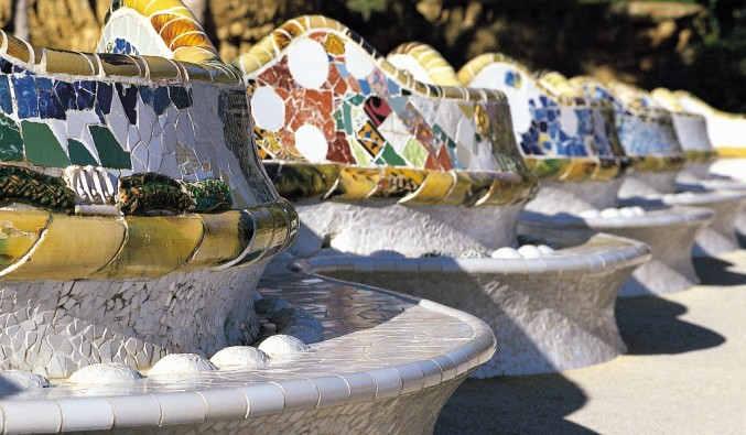 image de port de Barcelone. vue du park guell