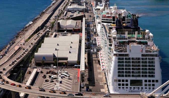 image de port de barcelone