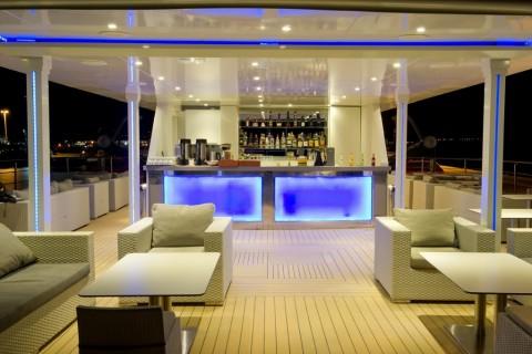 Vista de uno de los bares a bordo del crucero Variety Voyager. Foto Variety Cruises