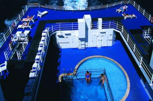 Imagen de la Piscina del barco Aranui 5