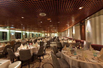 Restaurant La Flamboyant du bateu Zenith de Croisieres de France