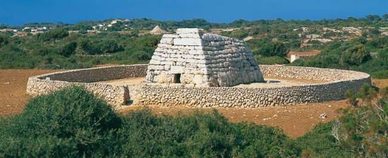 Menorca Talayótica Puerto de cruceros Menorca Naveta des Tudons