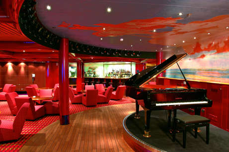 Imagen del Piano Bar del barco Costa Fortuna