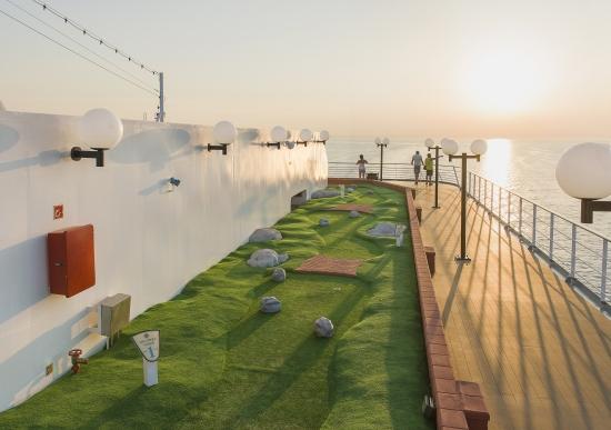 Imagen del Mini Golf del barco Msc Opera