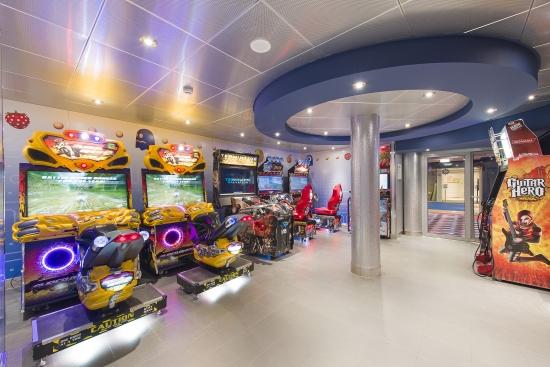 Imagen de la Sala de juegos virtuales del barco Msc Opera