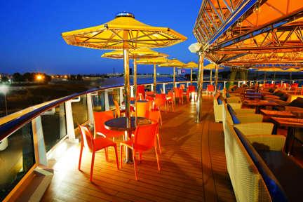 Imagen del Teodora Bar del barco Costa Diadema