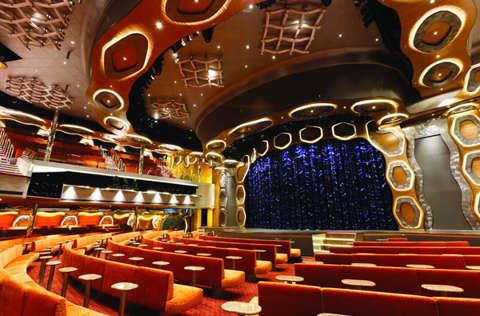 Imagen del Teatro Esmerald del barco Costa Diadema