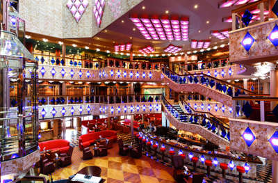 Imagen de la Recepción del barco Costa Favolosa